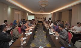 Narasumber Praktisi Informatika (Bambang Heru Tjahjono)  Mengangkat Tema Pemanfaatan data di sektor Pemerintah dalam mendorong Transpormasi Tata kelola Pemerintahan berbasis data dan peningkatan kualitas pelayanan publik 7/11/2019