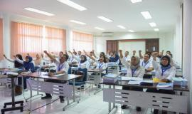 Peserta memberikan salam kepada pengejar pada Pelatihan Pembentukan Pengendali Frekuensi Radio (21/11).