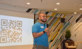 Kabag PPP Aryo Pamoragung menyampaikan terima kasih kepada narasumber dan seluruh peserta sekaligus menutup kegiatan Capacity Building Creating Digital Leaders and Engaged Digital Team in Digital Transformation Era (16/12).