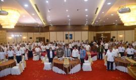 Sebelum memulai acara Peserta Kegiatan Pembukaan Pusat Pelayanan Terpadu Ditjen SDPPI tahun 2020 di Gedung Wisma Antara dan Persiapan Zona Integritas Menuju Wilayah Birokrasi Bersih dan Melayani (WBBM) tahun 2020 bersama menyanyikan lagu Indonesia Raya (14/1).