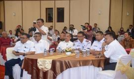 Sesditjen SDPPI R. Susanto bersama dengan Direktur Penataan Sumber Daya Denny Setiawan, Direktur Operasi Sumber Daya Dwi Handoko dan pejabat Kemenhub pada acara Pembukaan Pusat Pelayanan Terpadu Ditjen SDPPI tahun 2020 di Gedung Wisma Antara dan Persiapan Zona Integritas Menuju Wilayah Birokrasi Bersih dan Melayani (WBBM) tahun 2020 (14/1).